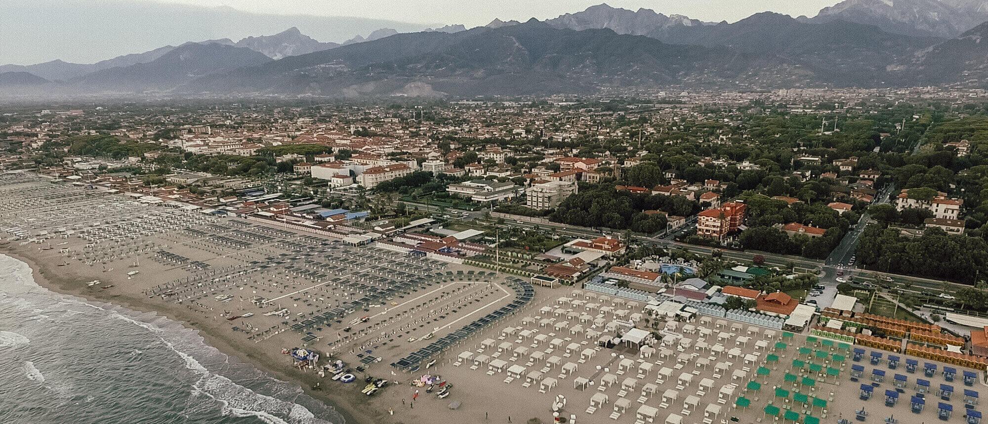 Matrimonio Esclusivo Toscana : Matrimonio esclusivo ai bagni annetta a forte dei marmi in toscana